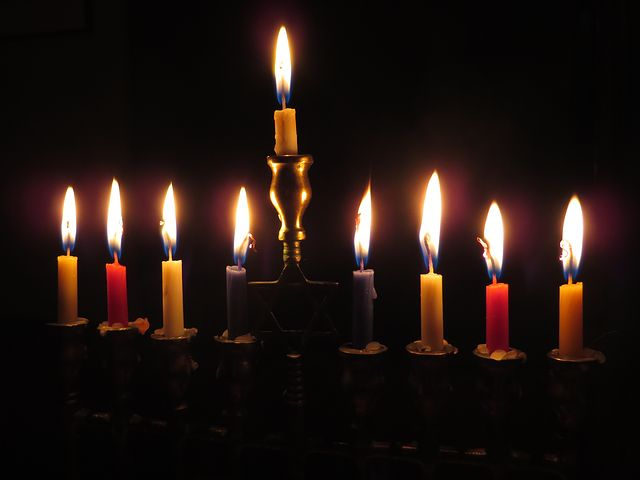 candles-897776__480